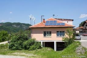 Солнечные батареи и ветряки