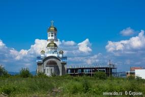 Новая церковь в Лознице