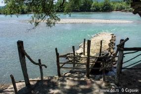 Спуск к реке Дрина