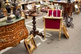 Фото блошиного рынка Найлон