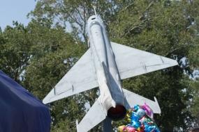 Памятник МиГ-21