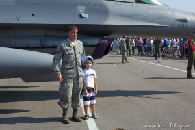 Заклятый друг - истребитель F-16 ВВС США