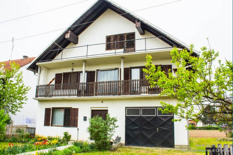 Просторный дом в Лознице