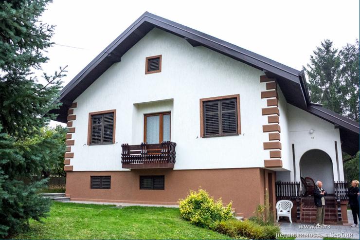 Красивый дом во Врчине