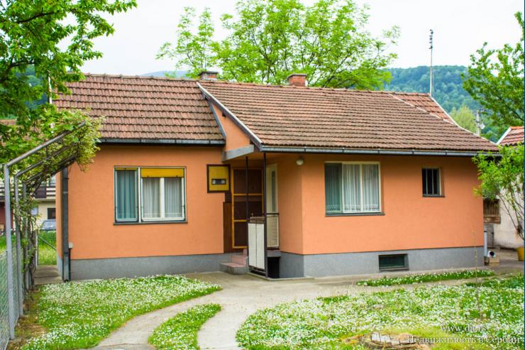 Небольшой дом на курорте Баня Ковиляча