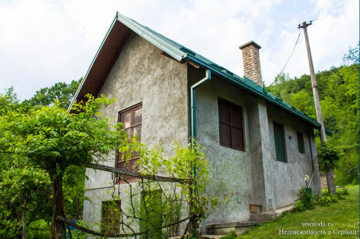 Дом на берегу Дрины со своим выходом на реку
