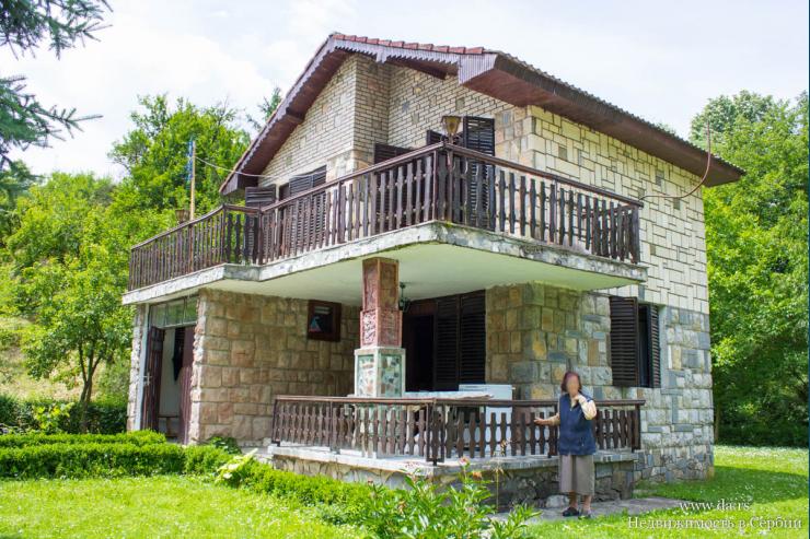 Дом в пригороде Лозницы