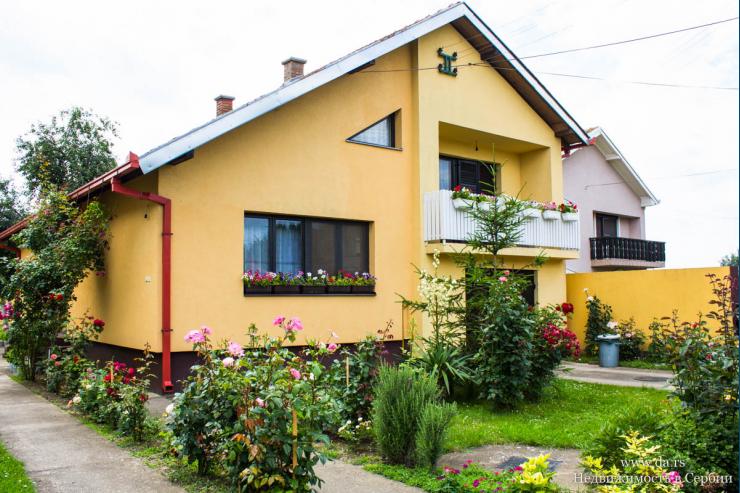 Дом в городе Сремска Митровица с большим участком