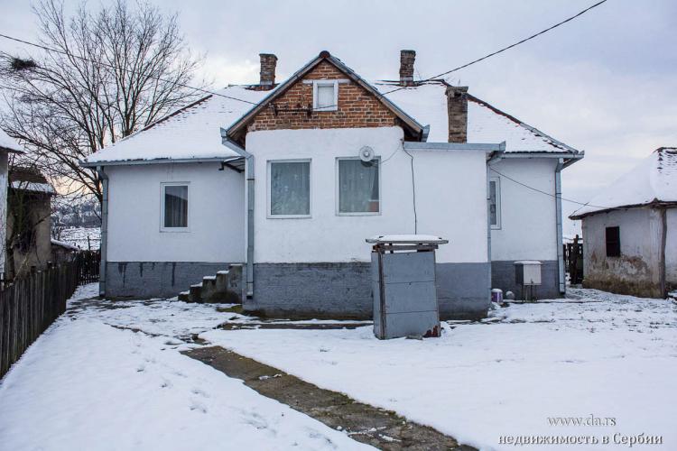 Сельский дом с 3 га земли