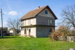0165, Дом с большим садом в пригороде Лозницы