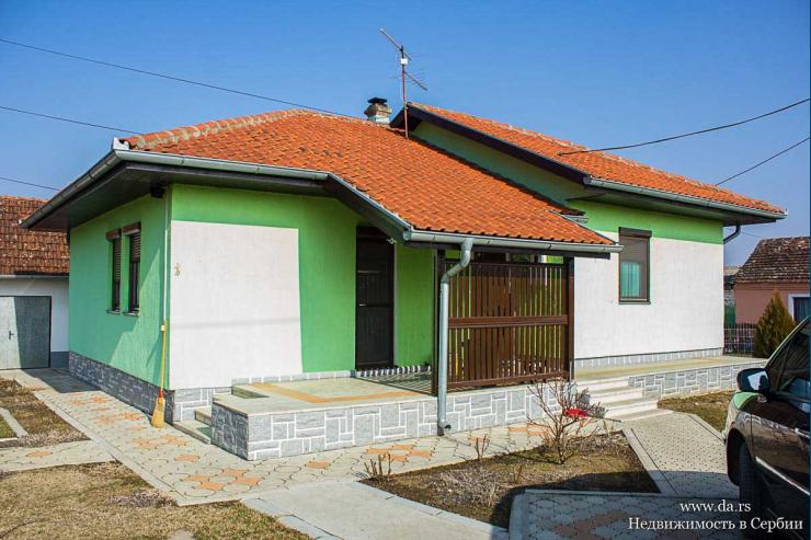 Новый дом в пригороде города Сремска Митровица