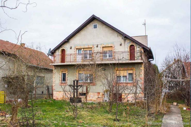 Дом в поселке Ечка недалеко от города Зренянин