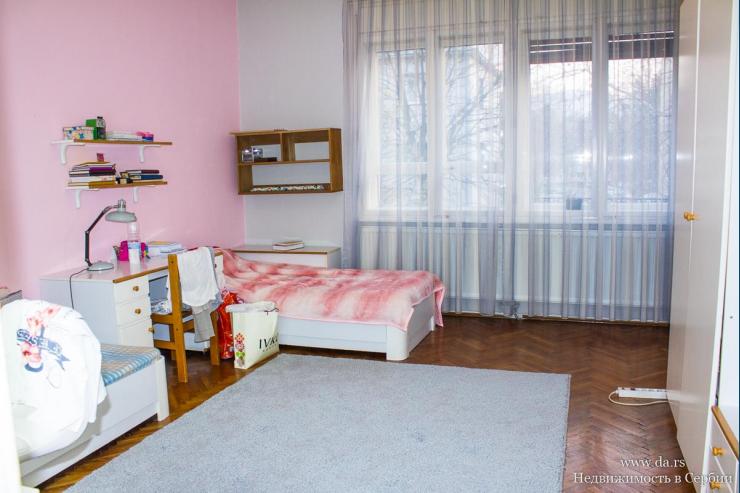 Трехкомнатная квартира в центре города Лозница