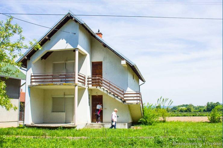 Новый дом на две семьи в городе Лозница