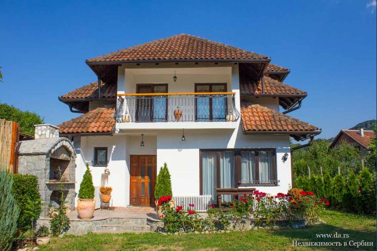 Красивый дом с камином в Баня Ковиляча