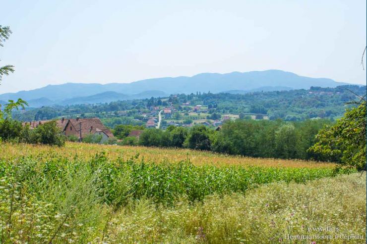 Большой участок под строительство дома в городе Лозница с живописными видами