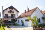 0289, Два дома в центре города Лозница