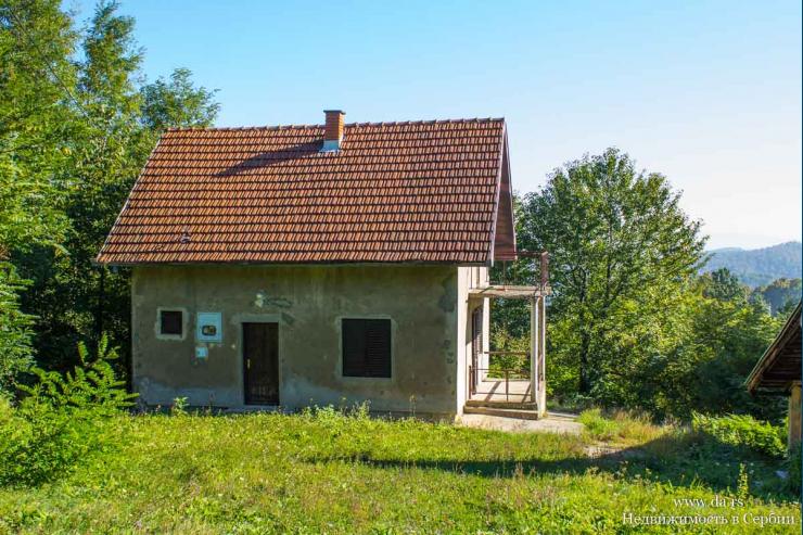 Дом на горе Гучево в пригороде Лозницы