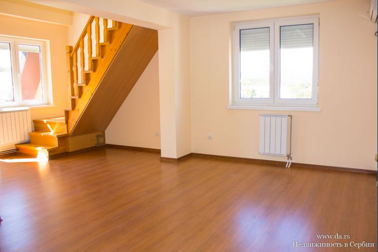 Новая двухэтажная квартира в центре Баня Ковиляча