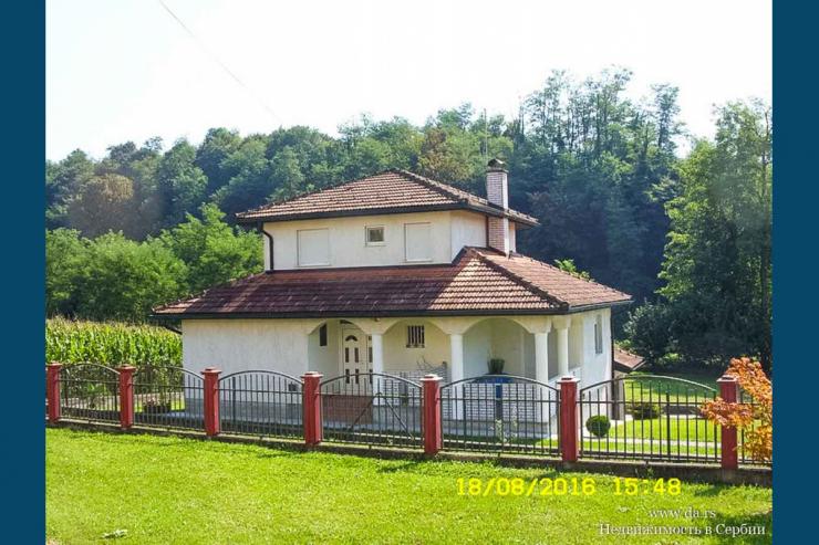 Отличный дом с камином недалеко от реки Дрина