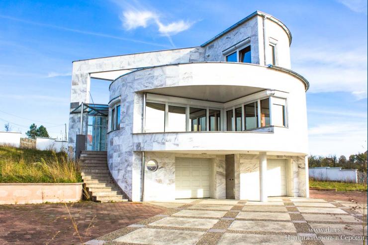 Дом класса ЛЮКС с потрясающими видами на горы в городе Лозница