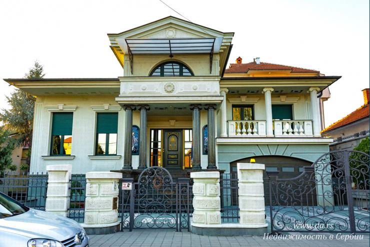 Дом класса ЛЮКС в городе Лозница