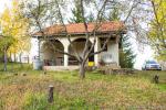 0312, Небольшой дом с садом в живописной части Лозницы