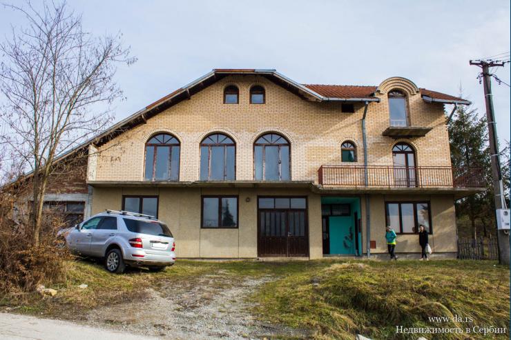 Очень большой дом в Валево