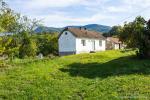 0331, Старый дом на живописном участке в центре Баня Ковиляча