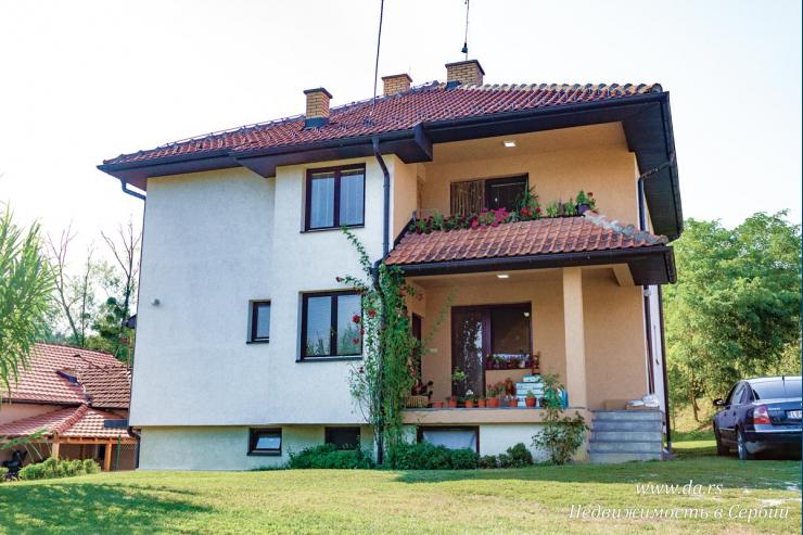 Отличный просторный дом в центре Лозницы