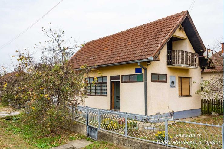 Небольшой дом в пригороде Лозницы