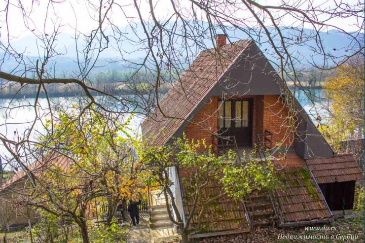 Дом на берегу реки Дрины