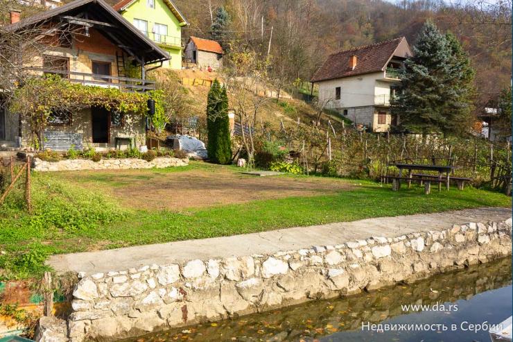 Дом для постоянного проживания на берегу реки Дрина
