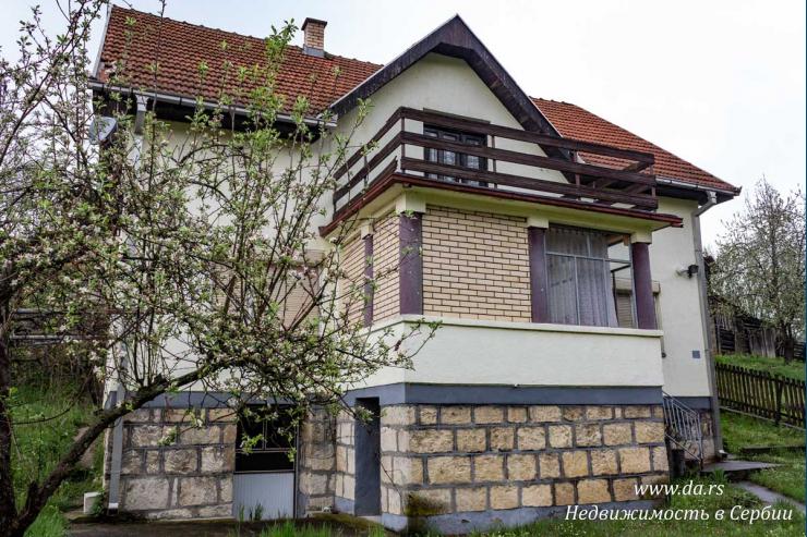 Дом с большим участком в туристической зоне