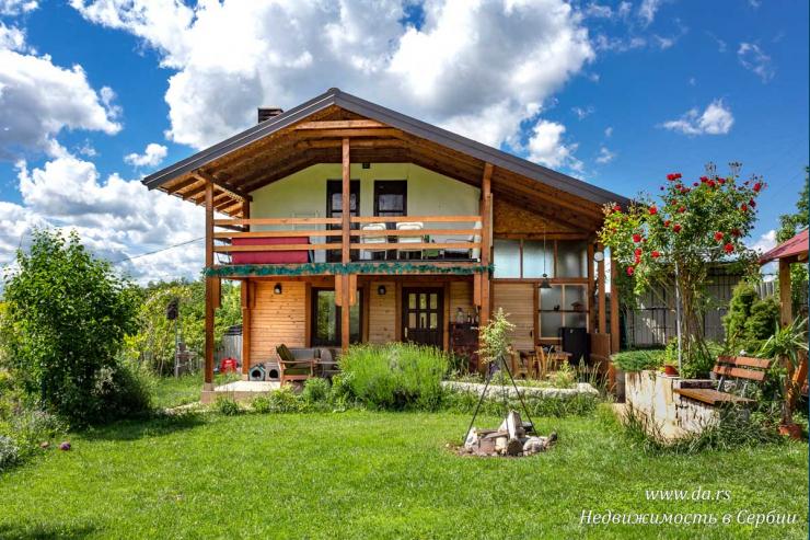 Красивый дом с садом в самой живописной части Лозницы