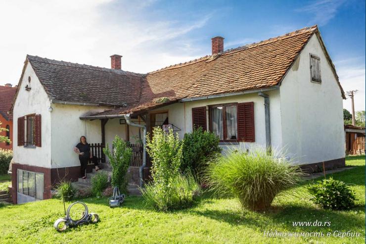 Два дома в хорошем районе Лозницы