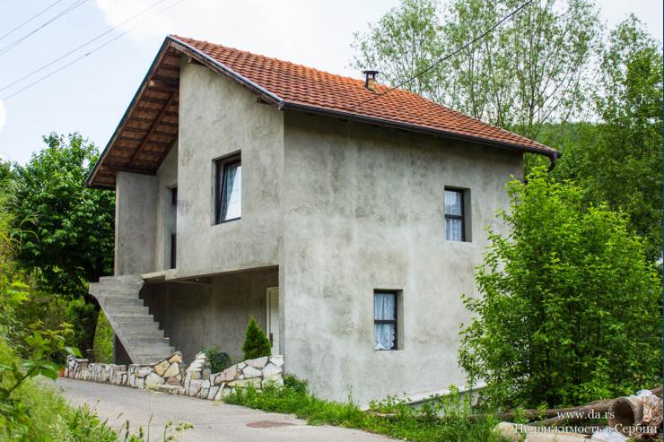 Интересный дом в Баня Ковиляча