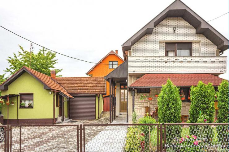 Уютный комфортабельный городской дом в Лознице