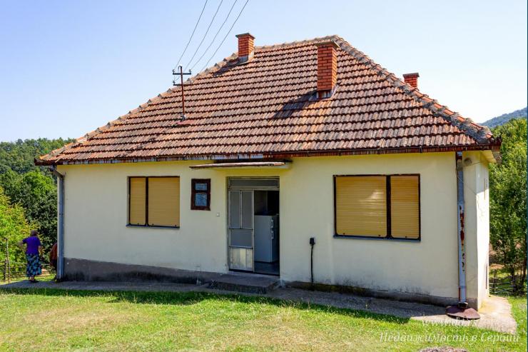 Дом на горе Гучево с большим участком