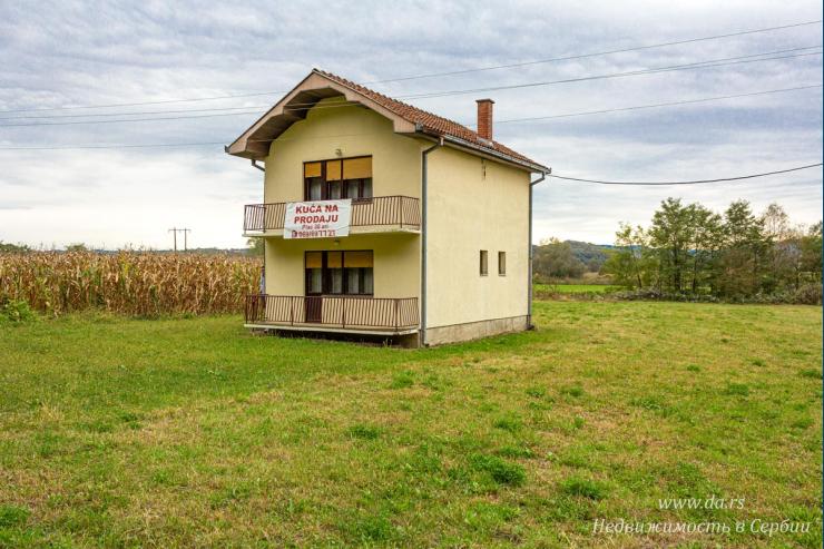 Недорогой дом с большим участком
