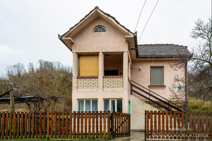 Дом рядом с центром Бани Ковилячи