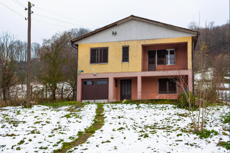 Просторный дом в Бане Ковиляче