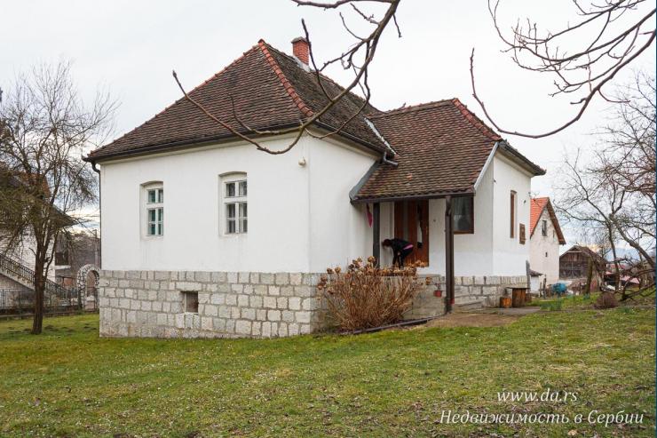 Дом в поселке недалеко от Малого Зворника