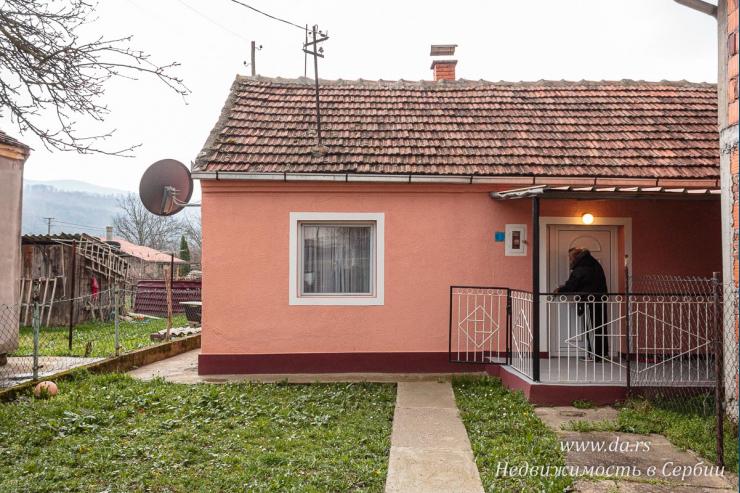 Дом в Лознице недалеко от центра