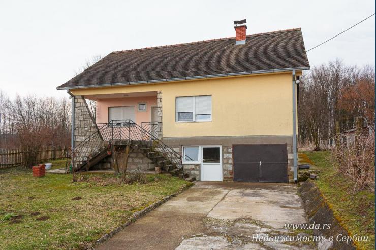 Дом недалеко от Лозницы