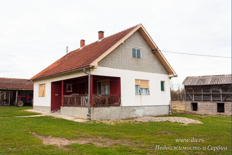 Недорогой дом в поселке недалеко от Лозницы