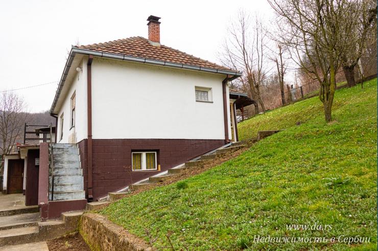 Дом в Бане Ковиляче недалеко от санатория