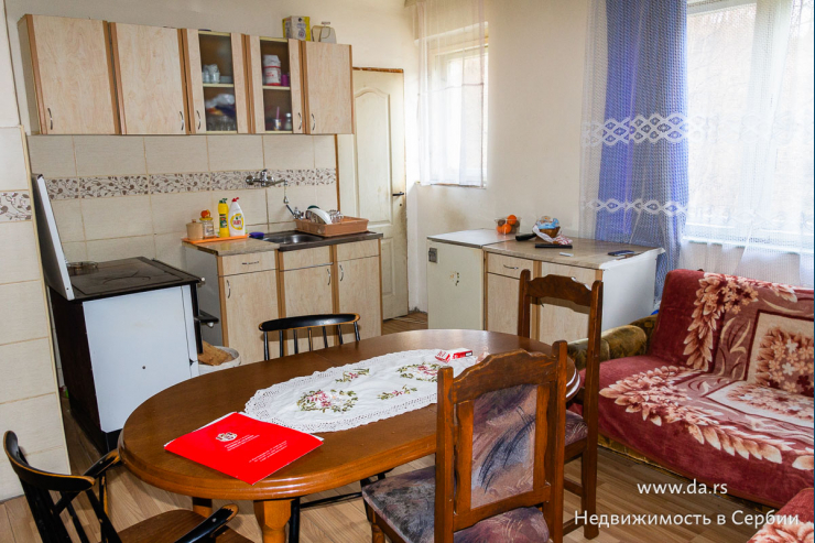 Недорогая квартира в пригороде Лозницы