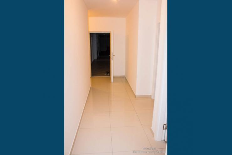 Три новые трехкомнатные квартиры в Лознице