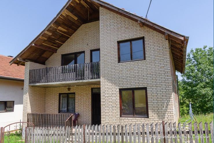 Просторный дом в поселке Донья Борина